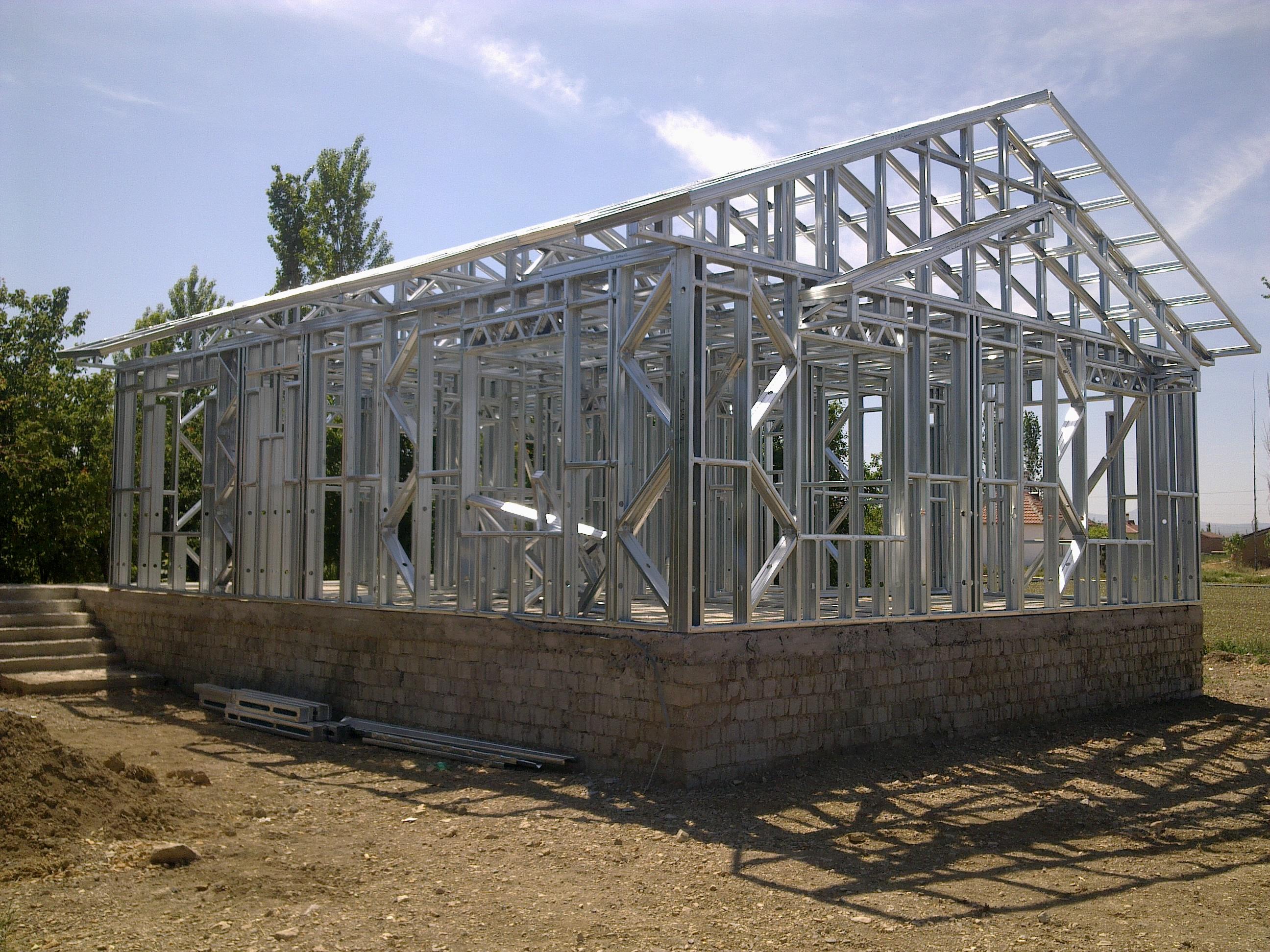 Neden Hafif Çelik Yapı Sistemli Ev Villaları Seçmelisiniz?